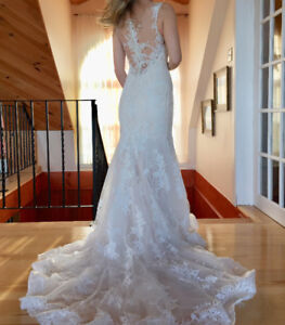 Maggie Sottero Wedding Dress - never worn outside salon