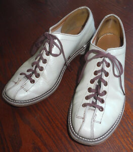 Vtg Leather Bowling Shoes Womens 8B EXCELLENT