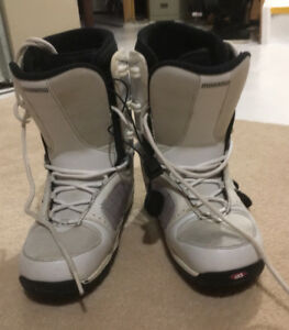 Morrow women's Wildflower snowboard boots