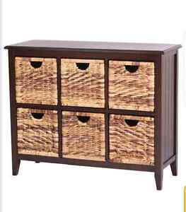 6 drawer wicker Chest in excellent condition