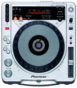 Pioneer CDJ 800s