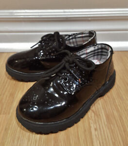 Like NEW!! Boys Size 12 Black Oxford Dress Shoes