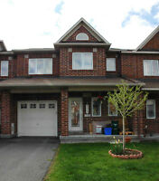 2010 Minto Executive TOWNHOME in Barrhaven