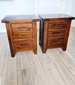 Stunning set of reversible drawers.