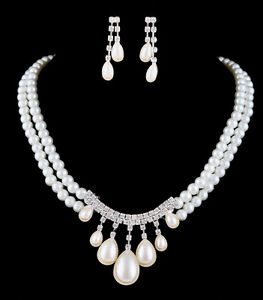 Brand new bridal white beaded necklace and earrings set London Ontario image 1