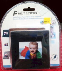 ****Digital Picture Frame w 3 Interchangeable frames –NEW****