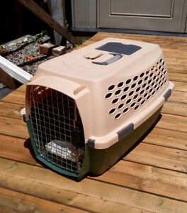 Pet Carrier / $30.00