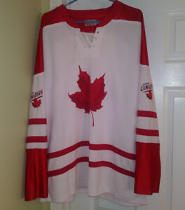 "Vintage Molson Canadian ""I Am Canadian"" Hockey Jersey size XL"