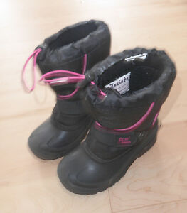 Warm winter boots, kids size 13, very good condition