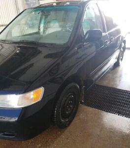 Honda Odyssey Van w/Extra Set of Nokian Tires on Rims
