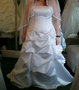 Alfred Angelo Wedding Dress size 14 - 18