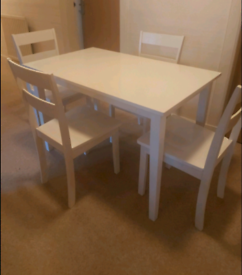 Table and chairs can deliver