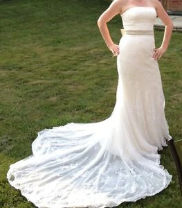 Justin Alexander Ivory lace wedding dress