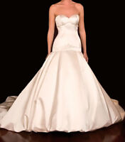 Stunning Ivory Winnie Couture Wedding Gown For Sale!