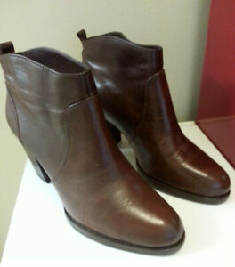 Perfect Michael Kors All Leather ITALY boots size 8