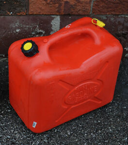 22.7lt fuel containers