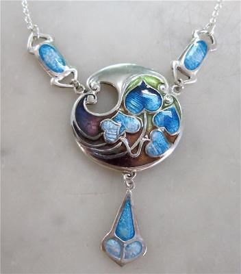 Beautiful Art Nouveau Style Sterling Silver and Enamel Ivy Leaf Pendant