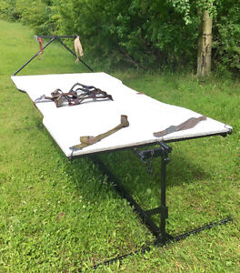 Alpaca Tip Table and Shears