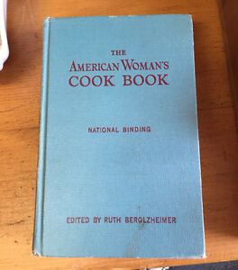 1950's THE AMERICAN WOMAN'S COOK BOOK HARDCOVER