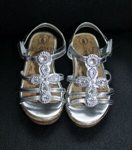 5 PAIRS OF GIRL'S SHOES SIZE 8 & 9 ALL FOR $40 Kitchener / Waterloo Kitchener Area image 1