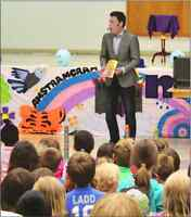 MAGICIAN FOR BIRTHDAY PARTIES!  (204) 803-8999