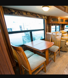 LIKE NEW live in trailer **MAKE US AN OFFER**
