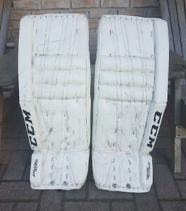 CCM Goalie Pads.    They Are In New Condition!!