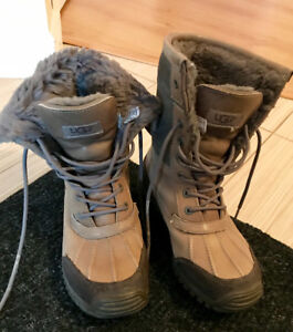 Women UGG boots size 8
