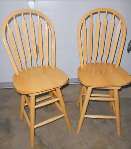 2 countertop height swivel bar stools, excellent condition