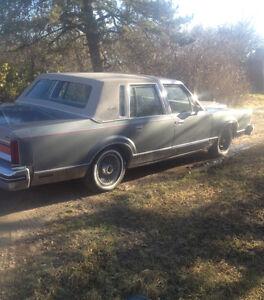 Lincoln 1984 car