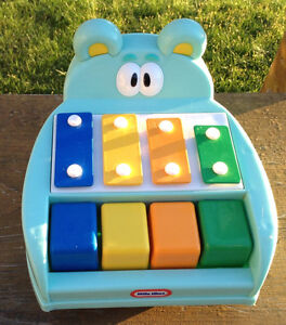 VINTAGE LITTLE TIKES BLUE BUBBY HIPPO TAP-A-TUNE PIANO