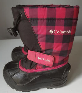 Columbia snow boots size 8 (Toddler)