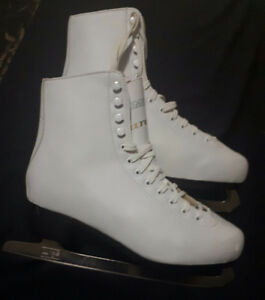 Ladies size 8 Chimo Tara figure skates