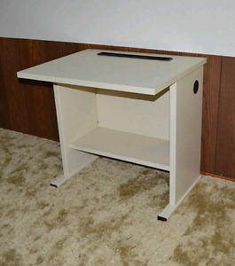 Small desk Fax/Printer/Plant/TV Stand etc.
