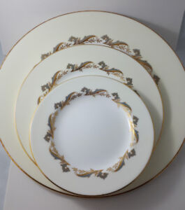 Set of 36 Minton Fine Bone China Dinnerware Gold Laurentian