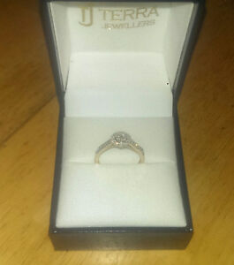 New Engagement Ring!!