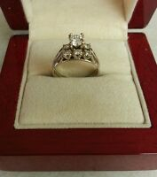 14K White Gold Ladies Ring Set