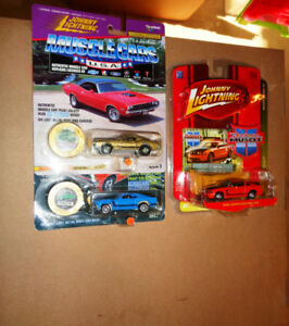 Johnny Lightning Muscle Cars Ford  Mustang GT /Collector Pin