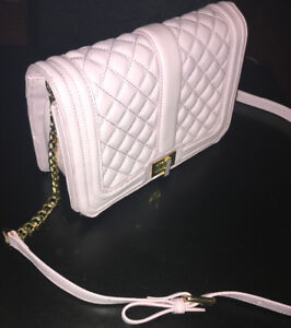 BRAND NEW PINK GUESS PURSE