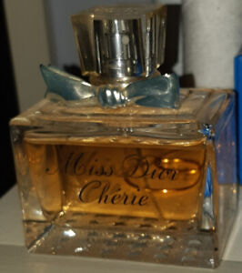 Miss Dior Chérie Eau de Parfum Négociable