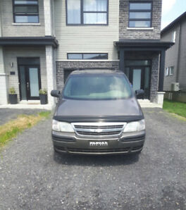 Chevrolet Venture 2003  -  1000$ - *FERME*
