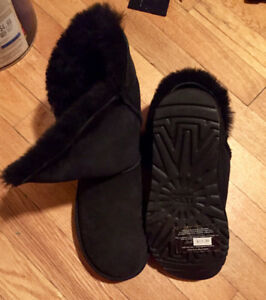 New Uggs boots size 5