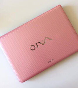 PINK VAIO LAPTOP (Sony)