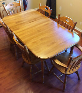 Solid Maple table with 6 chairs and Hutch