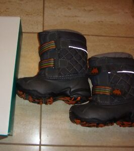 TOODLER boots,sizes 8-9. 1-3 YEAR OLDTotal price for 3 pairs $45