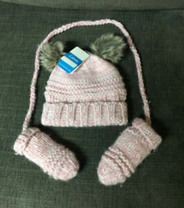 Baby girl Calikids knitted toque and mittens
