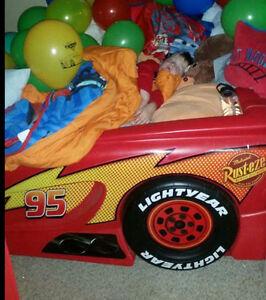 Cars lightening mcqueen bed