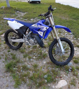 2015 yz125 LESS THAN 8 HOURS USE!!