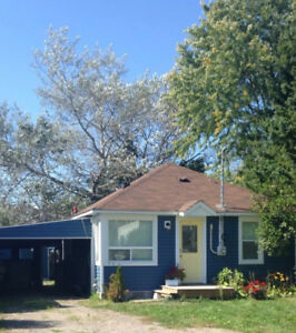 Renovated 2 Bedroom House in Central Location