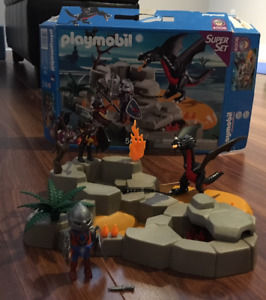 PLAYMOBIL # 4006 Chevaliers & dragons